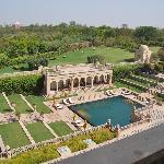 Taj Mahal au fond et piscine