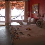 Noyoltzi Suite Main Bed Room