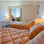 Large Room with 2 Queen Beds