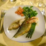 assaggio di secondi a base di pesce