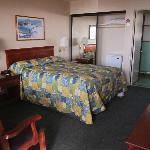 Sea Breeze Motel - Room 1