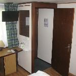 Campanile Hotel Bethune Bedroom