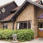 Photo de Premier Inn Sandhurst Hotel