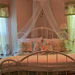 A beautiful room with King Size bed