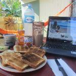 Desayuno en el jardin