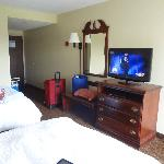 Hampton Inn Dickson, TN - tv with comcast