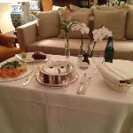 room service las 24hs,rapido y exelente