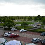 Sicht auf Parkplatz + Strasse
