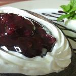 HOMEMADE BLACKBERRY CHEESE CAKE
