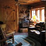 Grizzly Livingroom/Woodstove
