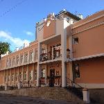 Вид на отель Регина