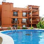 Vista da piscina e fundos do Hotel