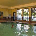 nice pool No Diving