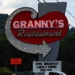 Granny's Kitchen signage