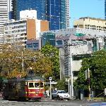MEL - Tram 35, Cnr Nicholson & Victoria Street