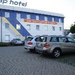 Porsche, Mercedes, BMW es sind keine armen Schlucker die bei ETAP absteigen