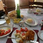 Mesa y Platos