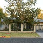 51 Dixon Rd, Alice Springs