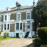 Loveley Victorian House built by Sir Wialliam Crundall is situated in a quiet cul-de-sac below D