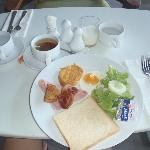 Simple buffet breakfast. They also served fried mee, vege, potatoes, juice, tea, coffee etc ...