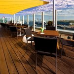 Deck 8 - die Bar im ATLANTIC Hotel Kiel