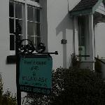 Front door, Peel House