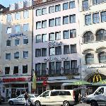 Hotel Schlicker between Burger King and MacDonald