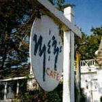 M & M's Cafe