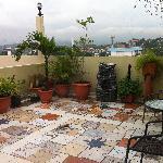 La terraza, con linda vista a la ciudad