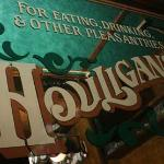 ‪Houligan's Steak & Seafood Pub‬