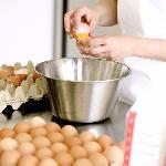 e uova di galline del Mendrisiotto, allevate in fattoria a terra in liberta