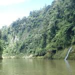 Steep sides of the Wanganui river