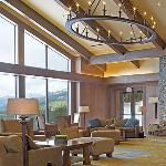 Canary Lounge at Suncadia Resort