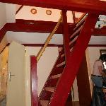 scaletta per salire al piano superiore