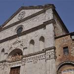 ...die Fassade von Michelozzo...