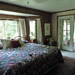 Room one bedroom with private screened in porch