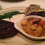 Filet and shrimp scampi combo