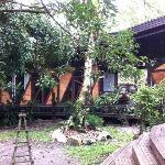 Bukit Raya Guesthouse Garden/Rooms
