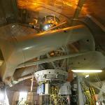 Nur durch eine Plexiglasscheibe vom Teleskop getrennt