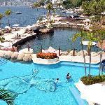 Club de playa La Concha del Hotel Las Brisas, sensasional