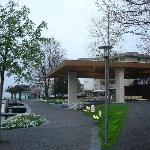 Uferpromenade von Weggis mit dem modernen Musikpavillon