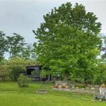 Jardines y cabaña para juegos o reuniones