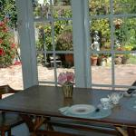 Breakfast Table - A Bed and Breakfast on Fairmount - Oakland, CA