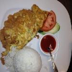 thai style shrimp omelet