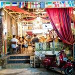 D'Boat Cafe