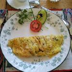 petit déjeuner copieux, délicieux et bien présenté