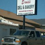 Ernie's Bakery and Deli Foto