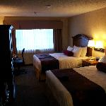 2Q suite bed area