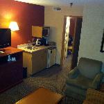 2Q suite in front room