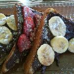 Cinnamon Bread with Nutella and fruit